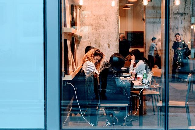 繁盛店する飲食店 ランチタイムに 女性リピーターが増えるポイントはコレ