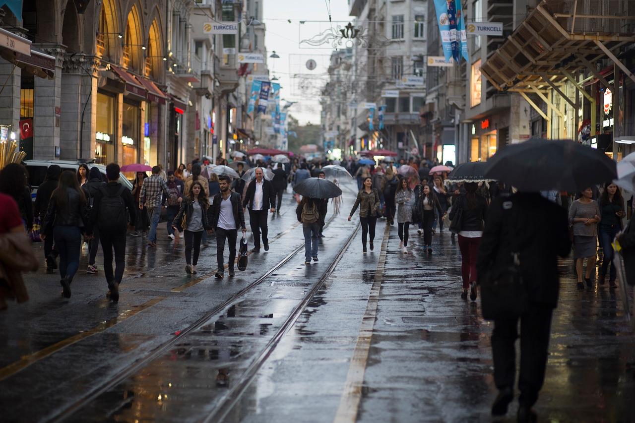 繁盛する飲食店 雨の日の来客数がUPする10の方法【飲食店・居抜き店舗:今週のまとめ】