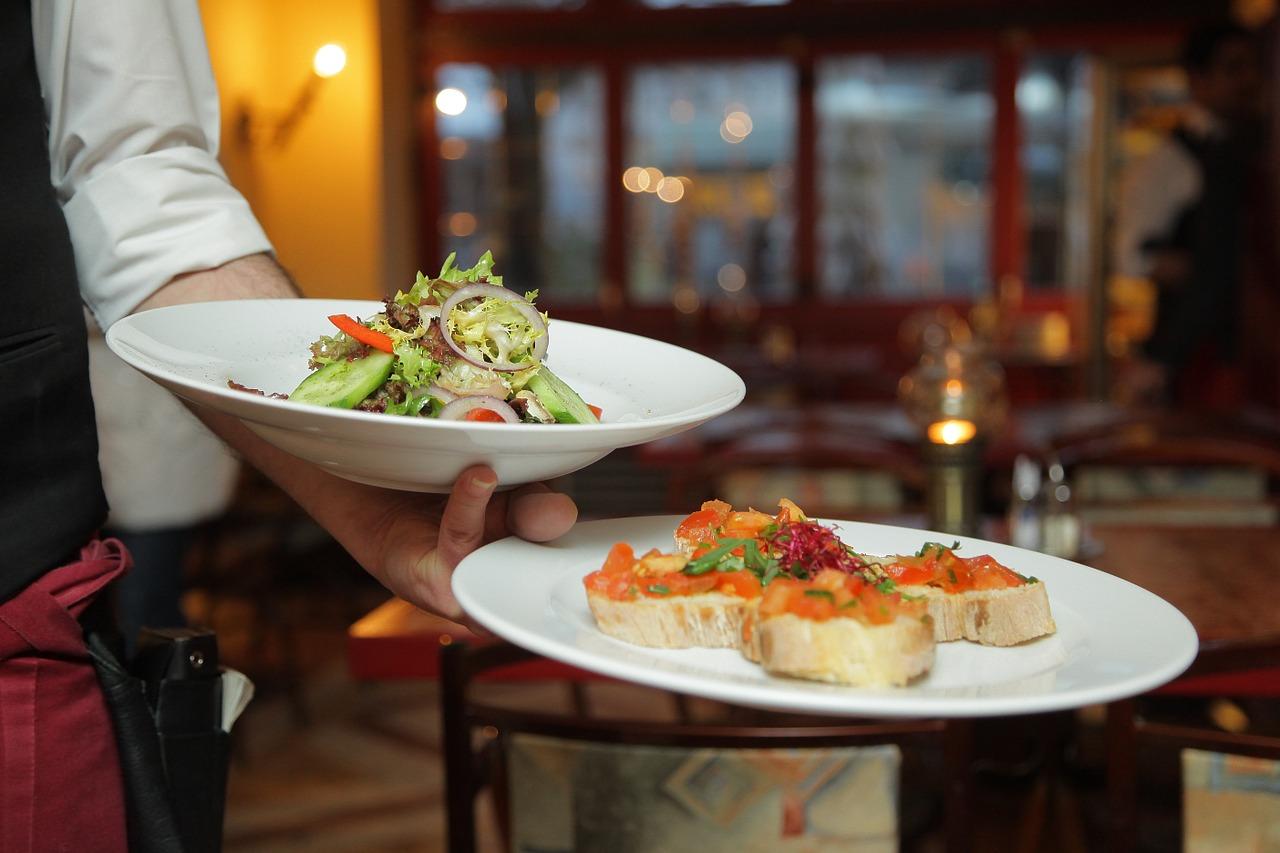 新型コロナ特例で飲食店は雇用調整助成金がもらえる9割助成も