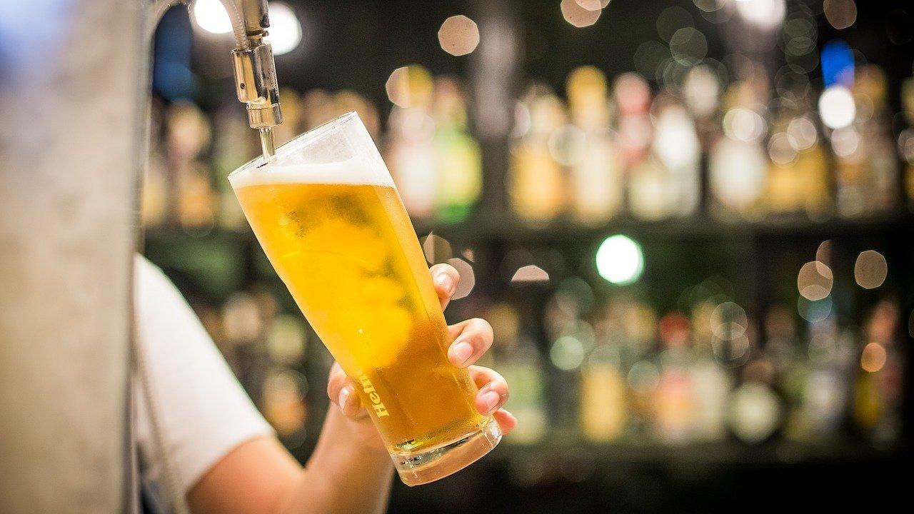飲食店の開業準備で食品・酒卸売業者の選定方法と賢いつき合い方